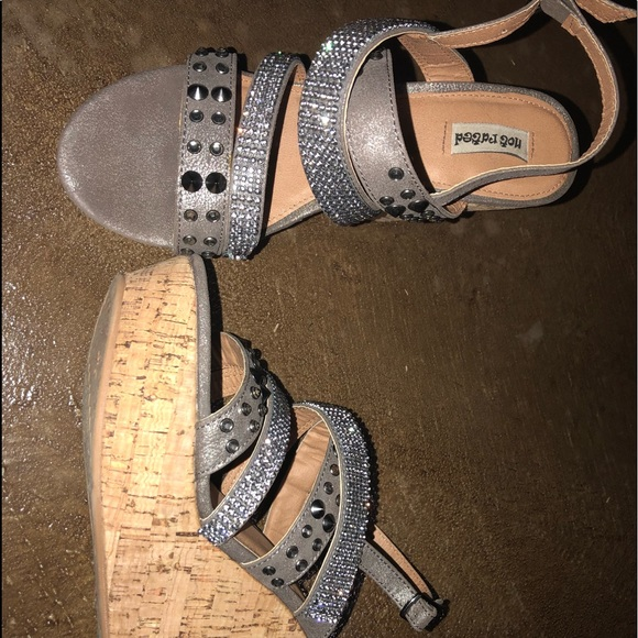 Shoes - Grey rhinestone wedges